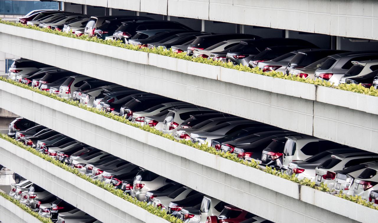 Multilevel smart parking systems