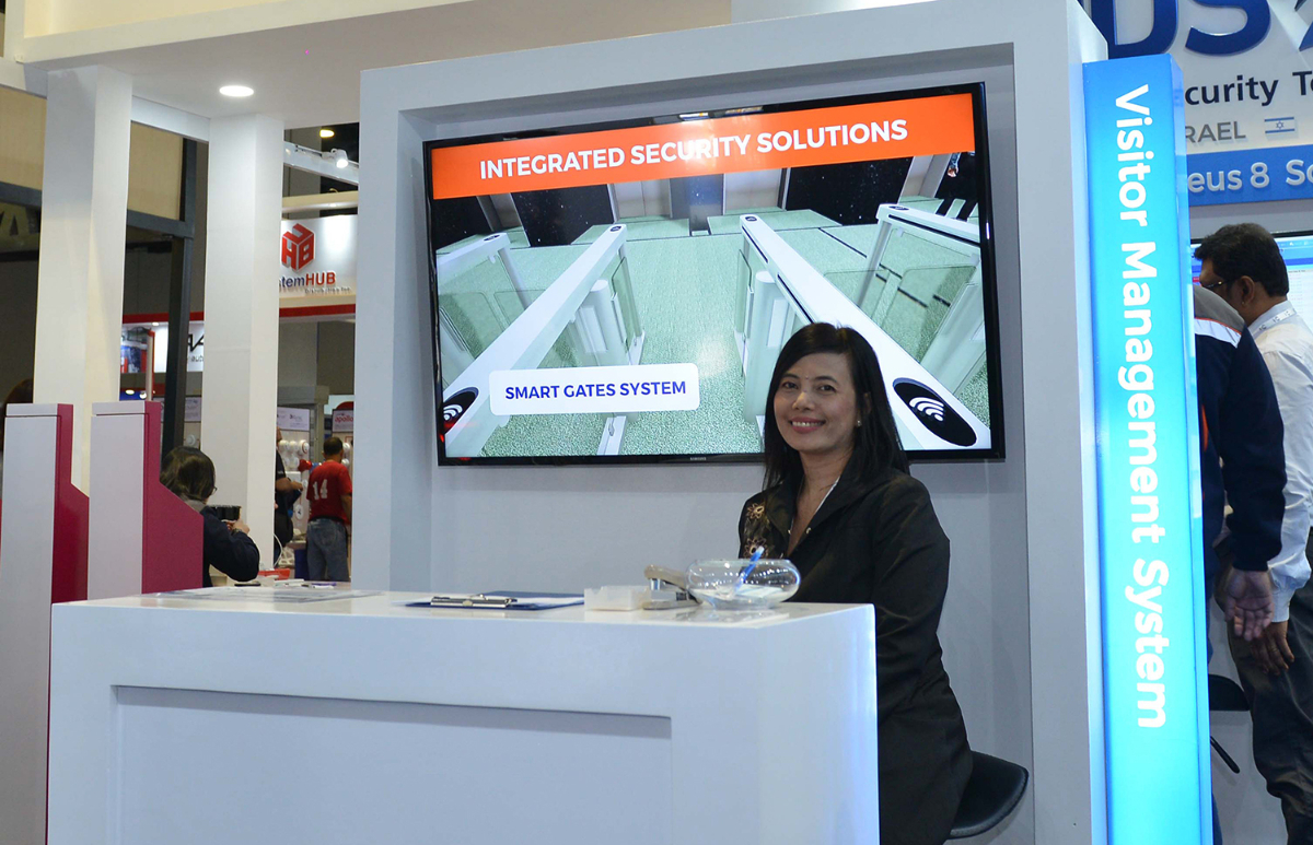 Improved Building Security with Smart Gates and Visitor Management Systems